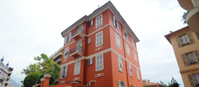 Façade et décoration de la Villa Negro
